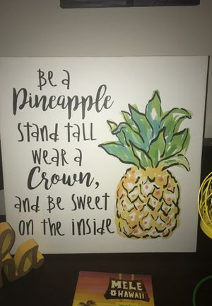 Pineapple decoration set for Sale in Saint Charles, MD