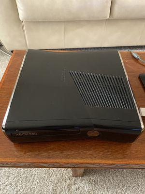 Xbox 360 S (250GB HD) for Sale in Sarasota, FL