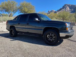 2004 Chevy 1500 avalanche (OBO) for Sale in Oro Valley, AZ