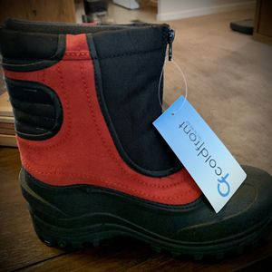 Snow Boots - Kids Size 5 for Sale in Mesa, AZ