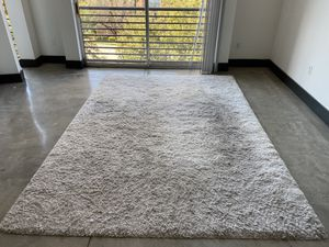 White shag rug for Sale in Irving, TX