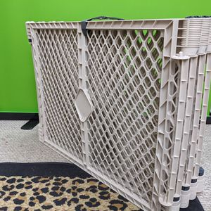 Toddleroo by North States Superyard 6 Panel Baby Play Yard/Barrier for Sale in Tempe, AZ