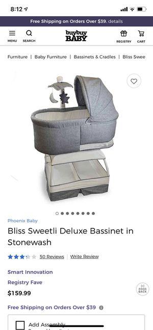 Bliss deluxe bassinet for Sale in Houston, TX