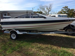Bayliner Capri for Sale in Apex, NC