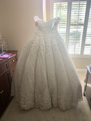 Wedding dress size 1 and 2 for Sale in Orange, CA
