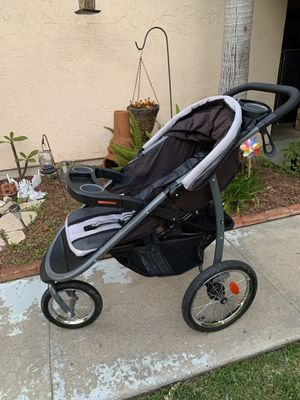 Graco jogging stroller for Sale in Chula Vista, CA
