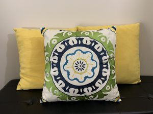 3 piece pillow set for Sale in Washington, DC