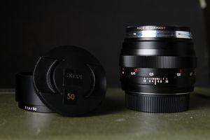 ZEISS Planar T* 50mm f/1.4 ZE Lens for EF Mount for Sale in Los Angeles, CA