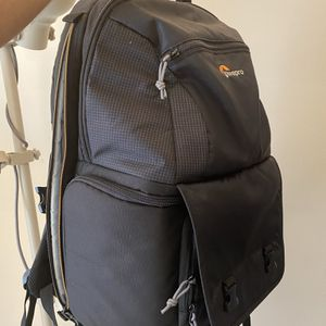 Lowepro Fastpack BP 250 AW II for Sale in College Park, MD
