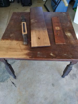 Antique Oak Table w/ leaf for Sale in CHARLOTTE C H, VA