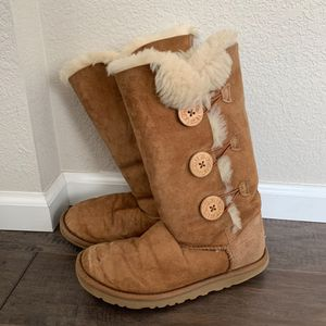 UGG Bailey Suede Button Triplet II Boots for Sale in Thornton, CO