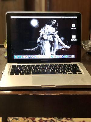 2010 MacBook Pro for Sale in Shreveport, LA