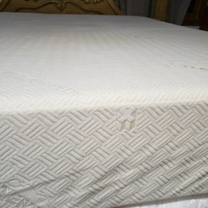 Queen Size Mattress for Sale in Windsor, CT