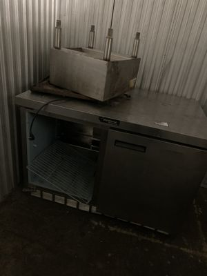 Delfield 4 ft work top fridge for Sale in The Bronx, NY