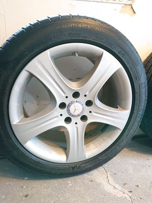 Mercedes original wheels and tires for E350 2014 for Sale in Irvington, NY