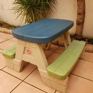 STEP2 Kids Picnic Table for Sale in Bellflower, CA