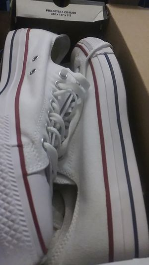 New Converse All-Stars White Sz. 12 for Sale in Chicago, IL