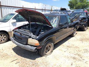 1999 gmc Sonoma parts 2.2 for Sale in Grand Prairie, TX