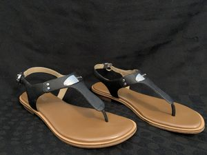 Michael Kors black sandals for Sale in MIDDLEBRG HTS, OH