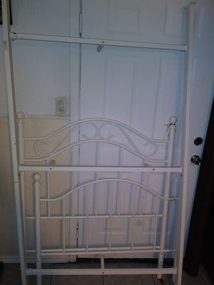 Twin size bed frame for Sale in San Antonio, TX