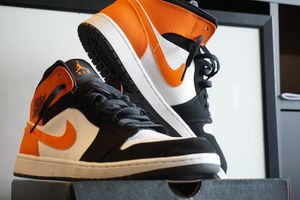 Jordan mid 1s size 12 for Sale in Pennsauken Township, NJ