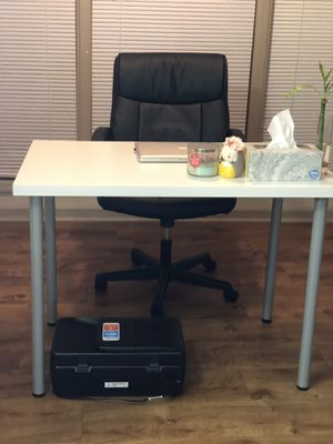 Office ( Table and Chair) for Sale in Roswell, GA