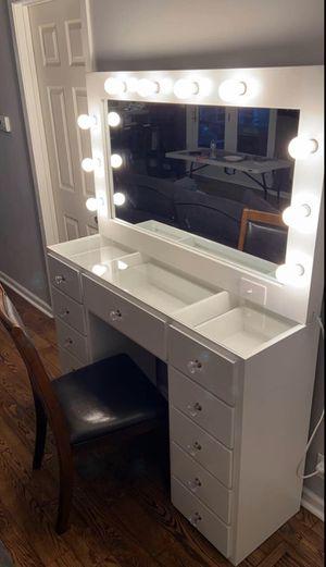 Makeup Mirror for Sale in Los Angeles, CA