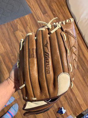 Mizuno 12 inch baseball glove for Sale in Orlando, FL