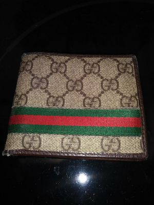 Authentic Gucci wallet in good condition for Sale in Denver, CO