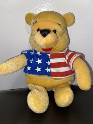 "Disney store Winnie the pooh America Shirt 8"" for Sale in Lakewood, CA"