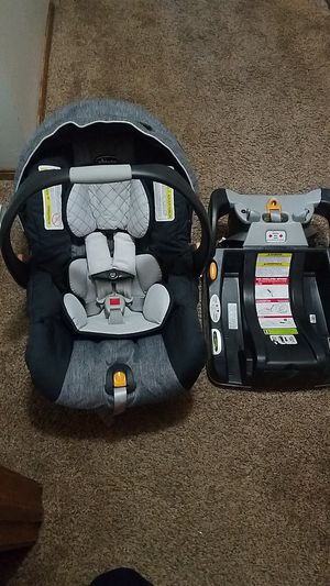 Chicco infant car seat for Sale in Fountain, CO
