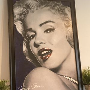 painting with frame marilyn monroe for Sale in Long Beach, CA
