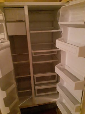 Dud size rf with ice maker for Sale in Birmingham, AL