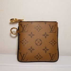 !! Small Louis Vuitton coin bag !! for Sale in Riverdale, NJ