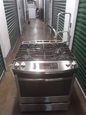 GE STAINLESS STILL STUF 30 INCH OPEN BOX CONVENCION OVEN for Sale in New York, NY