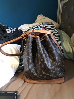 Louis Vuitton bag for Sale in Plant City, FL