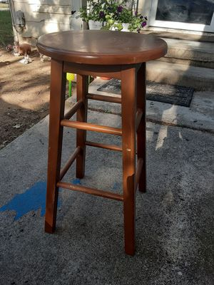Wooden Bar Stool : 2 Feet Tall for Sale in Haltom City, TX