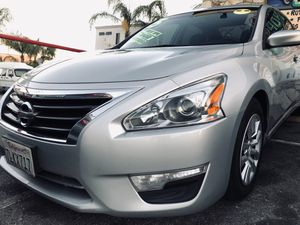 2015 Nissan Altima 2.5 S w/ 124k likes for Sale in Los Angeles, CA
