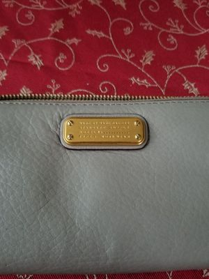Marc Jacobs gray wallet for Sale in Fairfax, VA