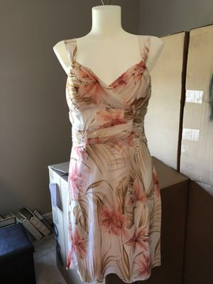 Floral pink, tan and white flowy strap dress s11 for Sale in Charlotte, NC