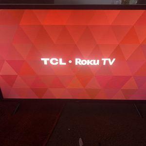 32 Inch Flat Screen Smart Tv $180 for Sale in Detroit, MI