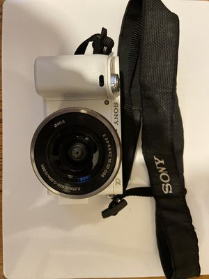 Sony - Alpha a6000 Mirrorless Camera with 16-50mm Retractable Lens with Package Combo and Accessories for Sale in Trumbull, CT