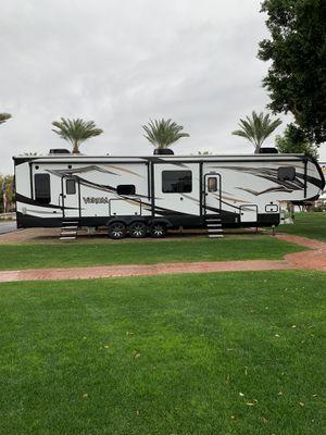 2018 KZ RV Venom V4012TK beautiful toyhauler for Sale in Gilbert, AZ