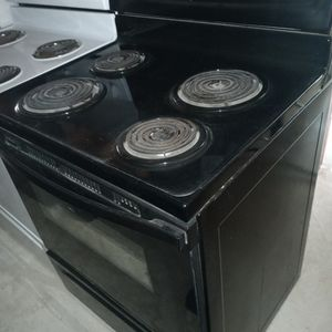 Stove whirlpool for Sale in Elmendorf, TX