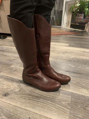 Born brown leather boots 8.5 for Sale in Santa Monica, CA
