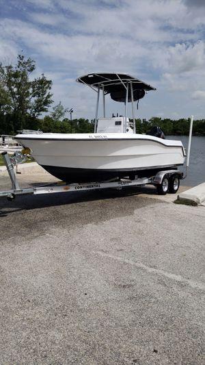 Center console open fisherman 19 .5 ft boat for Sale in Pembroke Pines, FL
