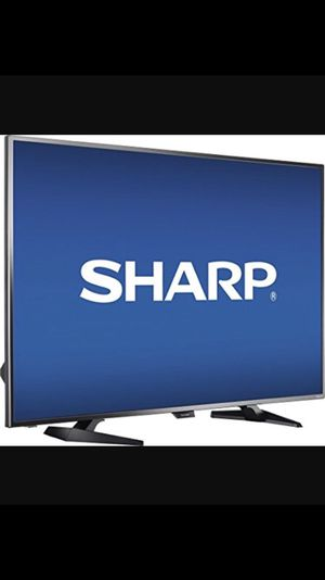2017 LCD LED 61' SHARP TV NEW / mount / car for Sale in Miami Beach, FL