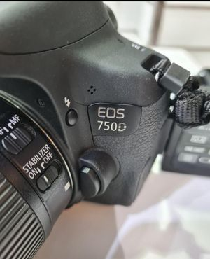 Canon 750D for Sale in Dulles, VA