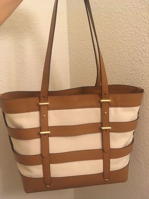 Authentic and brand new original Michael kors tote hand bag include tag ( Original price is $298+tax) for Sale in San Diego, CA
