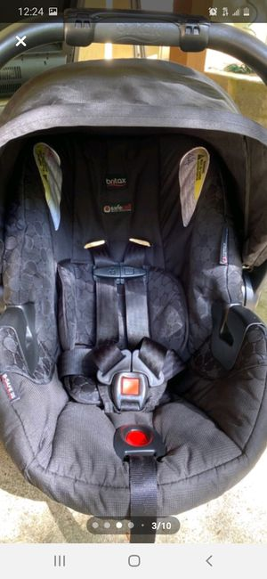 Carseat and stroller combo for Sale in Falls Church, VA